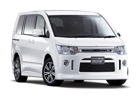 mobil mitsubishi delica mobil baru mitsubishi yang bakal ado dipalembang