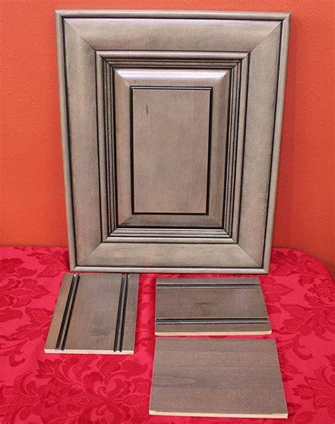 kitchen cabinet glaze colors 1000 ideas about glazed kitchen cabinets on pinterest