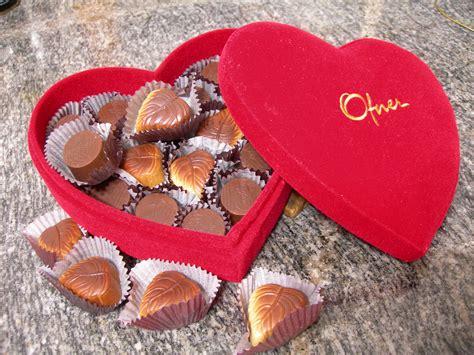 file chocolate gift jpg wikimedia commons