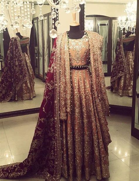 Best 25  Bridal lehenga choli ideas on Pinterest   Lehenga