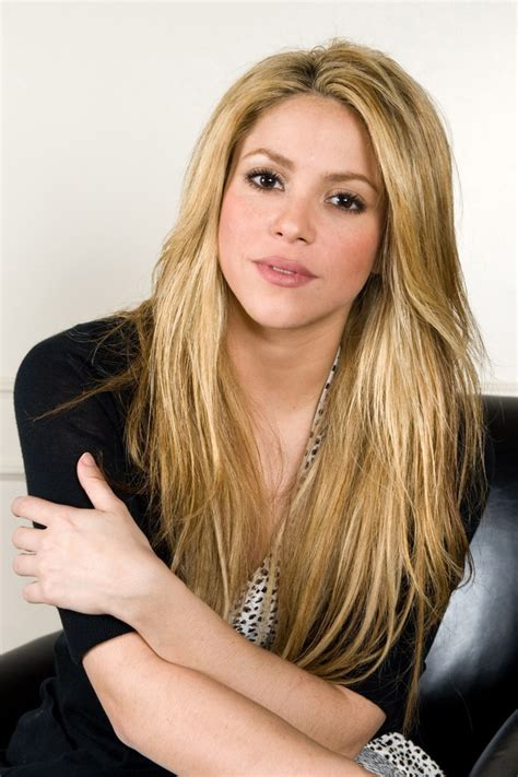 famous hispanic people shakira 271 best images about shakira on pinterest pique killer