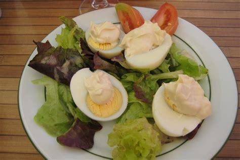 cuisiner oeuf comment cuisiner des oeufs 224 la mayonnaise dans maison