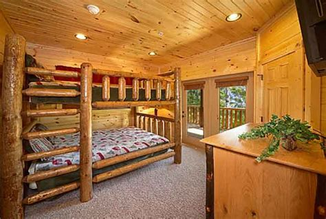 7 bedroom cabins in gatlinburg gatlinburg cabin mountain mist lodge 8 bedroom
