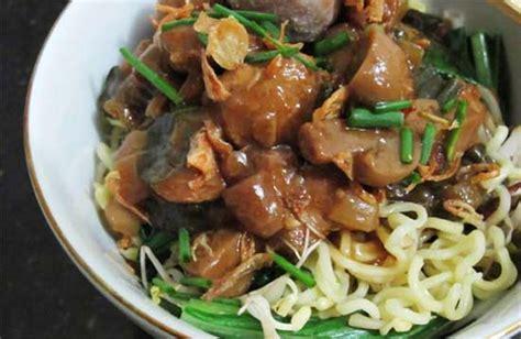 buat mie ayam spesial resep dan cara membuat mie ayam jamur merang spesial