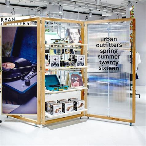 15 At Outfitters Uk by 15 Best Ideas About Outfitters Store On
