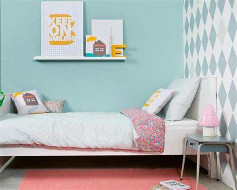 decorar habitacion juvenil pared ideas para la decoraci 243 n de las habitaciones con papel pintado