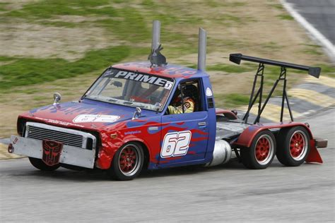 of truck racing 6 wheeled truck races in the 24 hours of lemons