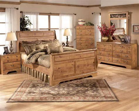images  bedrooms  pinterest fireplaces rustic bedrooms  cabin