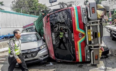 Kas Rem Mobil Honda Ngeri Setelah Lintasi Kuburan Rem Tronton Blong
