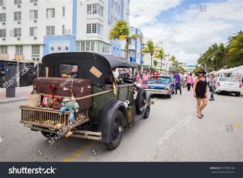 deco vintage car parade 2016 usa florida miami january 15 stock photo 557385184