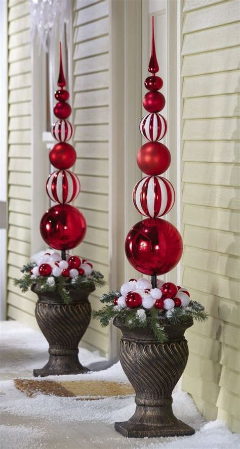 outdoor christmas decor 25 best ideas about outdoor christmas decorations on