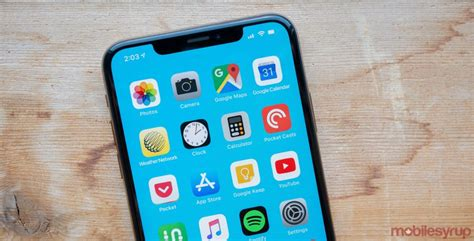 attackers  access contacts   locked  iphone