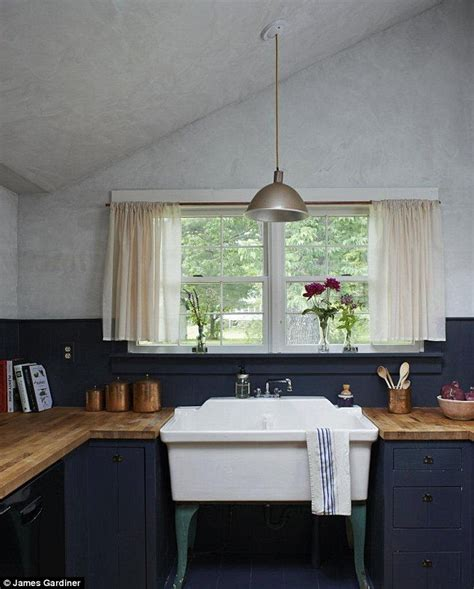 selling old kitchen cabinets vintage kitchen sink farm lifestyle escape to new york daily mail online