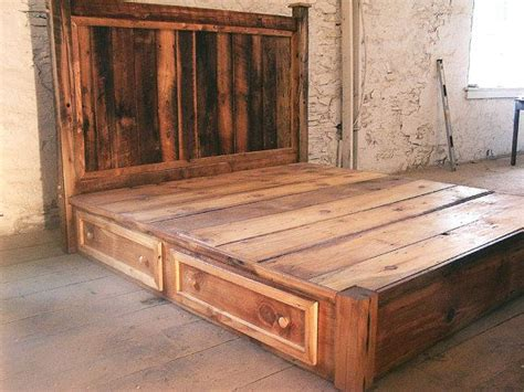 Rustic Platform Bed With Drawers Reclaimed Rustic Pine Platform Bed With Headboard And 4