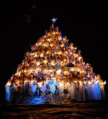 80th belhaven singing christmas tree