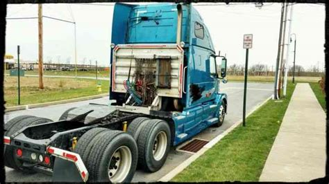 680 volvo truck volvo vnl 680 2006 sleeper semi trucks