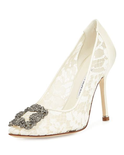 lace wedding pumps manolo blahnik wedding shoes stylin on your big day