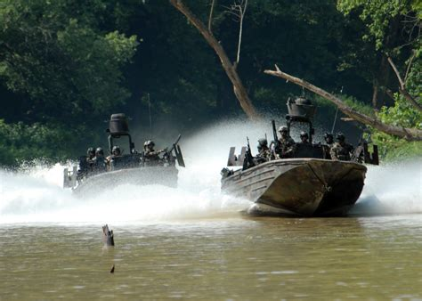 types of navy seal boats file sbt 22 on soc r boats jpg wikimedia commons