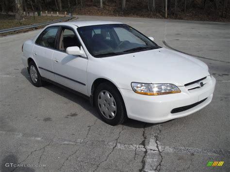 1998 honda accord white taffeta white 1998 honda accord lx sedan exterior photo