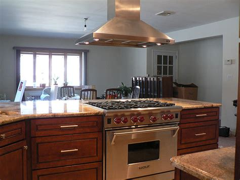 Vent Hood Over Kitchen Island by Can Anyone Show Me A Slide In Range In A Peninsula Or Island