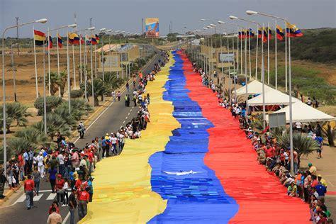 imagenes motivadoras de venezuela fotos despliegan en la vela de coro la bandera de
