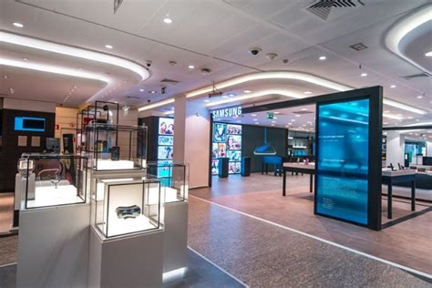 samsung shop eci callao by cheil worldwide cheil germany mdlab madrid spain 187 retail