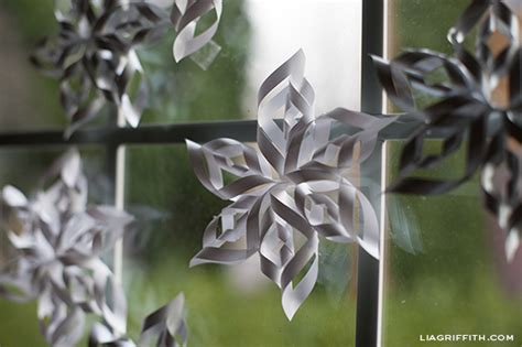 How To Make Large 3d Paper Snowflakes - 3 d paper snowflakes