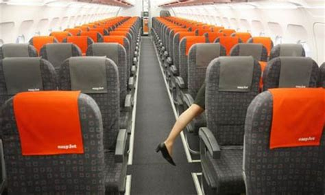 interno aereo easyjet are budget airlines the new choice for business travellers
