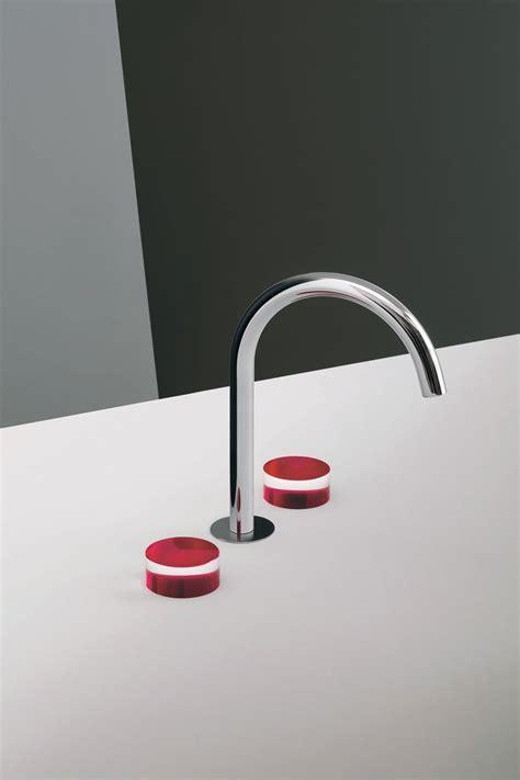 rubinetti colorati rubinetti colorati nuovo trend per il lavabo