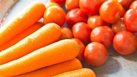 deretan manfaat vitamin  terkandung  wortel  tomat