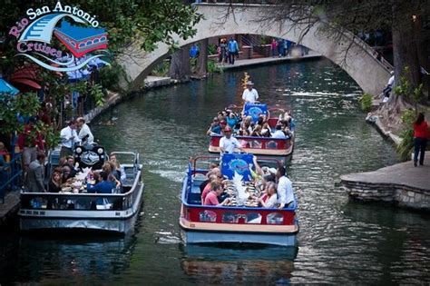 riverwalk boat cruise foto de rio san antonio cruises san antonio dining