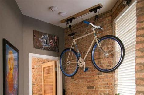 bici da casa come appendere la bicicletta in casa spunti e soluzioni