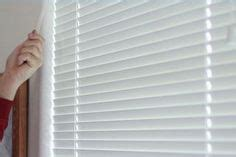 how to clean mini blinds in bathtub 1000 ideas about cleaning mini blinds on pinterest