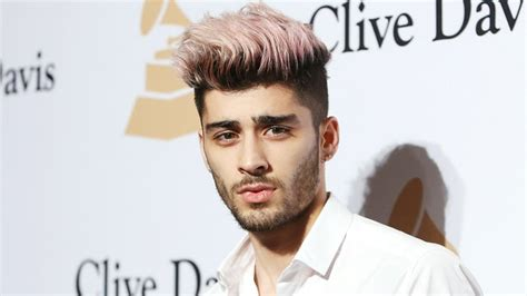 zayn malik face tattoo zayn malik shows his new us weekly