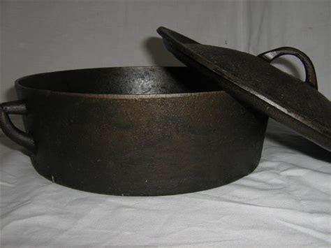 Pot Tawon No 30 potjie falkirk size 3 flat bottom circular cast iron