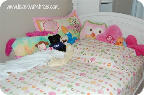 How To Make Bunk Bed Sheets The Secret To Bunk Bed Sheets Take 10 With Tricia