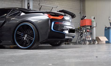 Custom Akrapovic Exhaust on BMW i8