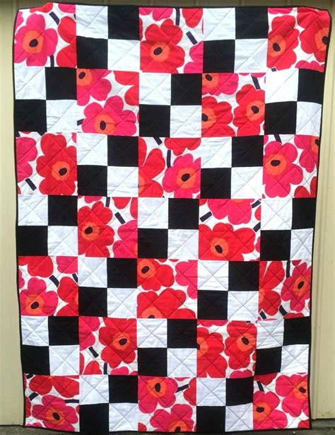 flowers on the checkerboard quilt pattern favequilts