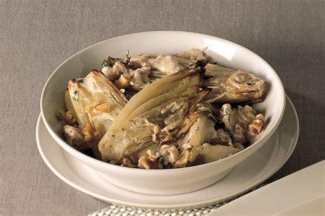 cucinare indivia belga ricetta indivia belga brasata con le noci la cucina italiana