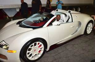 Bugatti Floyd Mayweather Floyd Mayweather Just Ordered A Bugatti Chiron