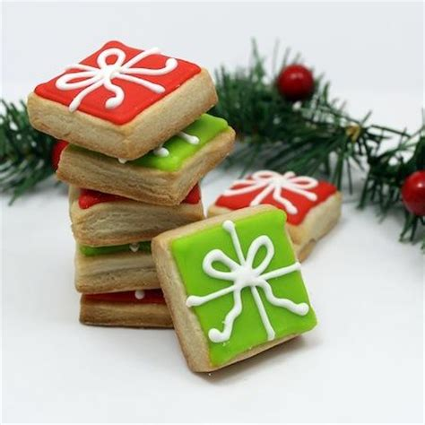 christmas cookies that look like gifts decorating tutorial