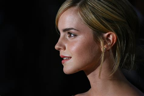 emma watson picture gallery celebrity talks emma watson the national movie awards 2008 arrivals