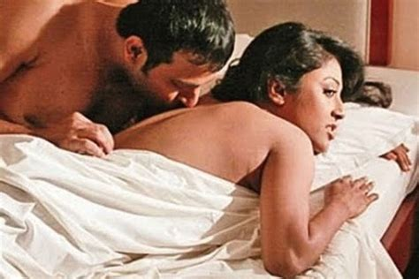 sex in bedroom movies paoli dam hot indian actress hot pics