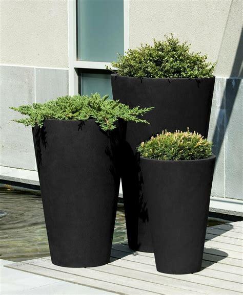 vallarella tall planter onyx black lite