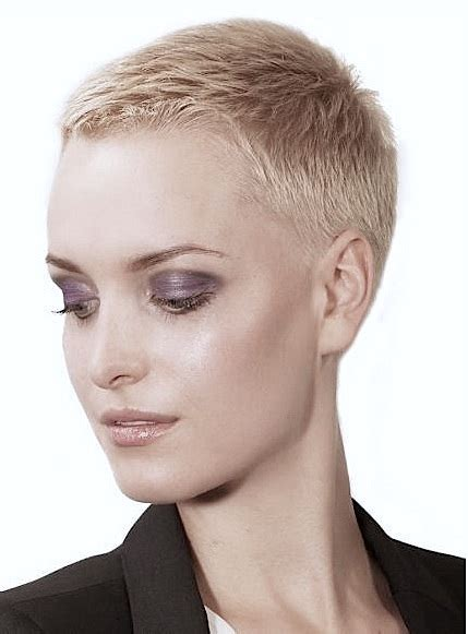 pixie clipper cut haircuts buzz cut clipper comb on top fade on sides with