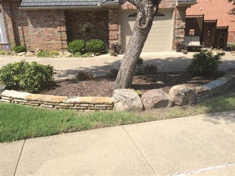 Landscape Edging With Boulders Landscaping And Outdoor Projects Classic Rock Yard