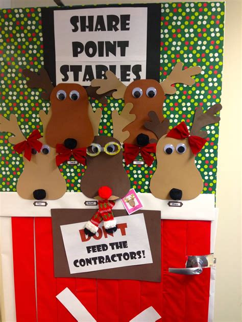 fabulous army life holiday door decorating contest