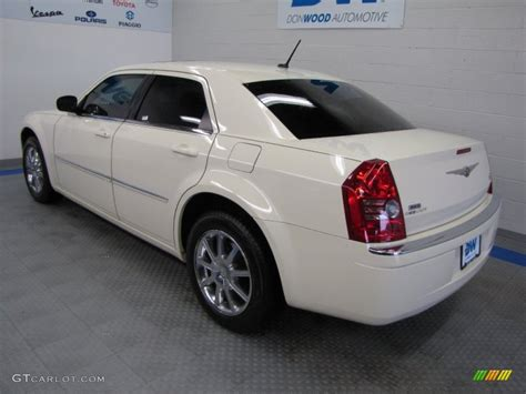 2008 Chrysler 300 Limited by 2008 Cool Vanilla White Chrysler 300 Limited Awd 55622210