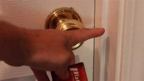 how to unlock bathroom door with bobby pin how to pick a bedroom door lock with credit card