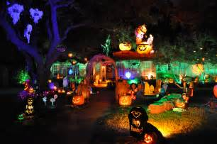 Best Halloween Home Decorations by Halloween Decor Draws Families To Farrier House Advocate
